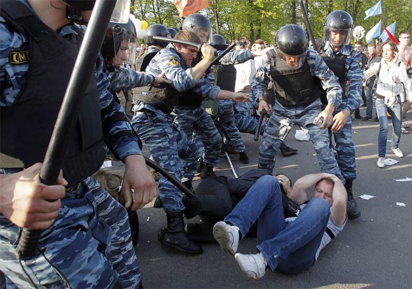 По-разному можно смотреть на ситуацию, но власть считает, что агрессивны те, кого избивает полиция