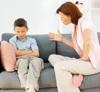 методы воспитания ребёнка порой оказываются достаточно садистичными