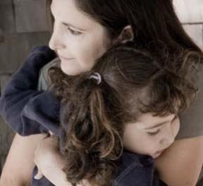 """Иногда в процессе горевания близость матери и ребёнка могут приводить к слиянию - вместо помощи в """"разделении"""" в диаде мать-дитя"""